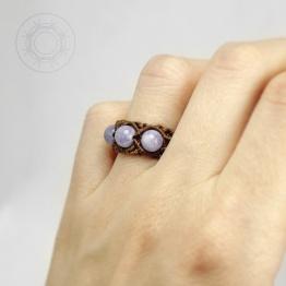 Кафяв пръстен с три аквамарина